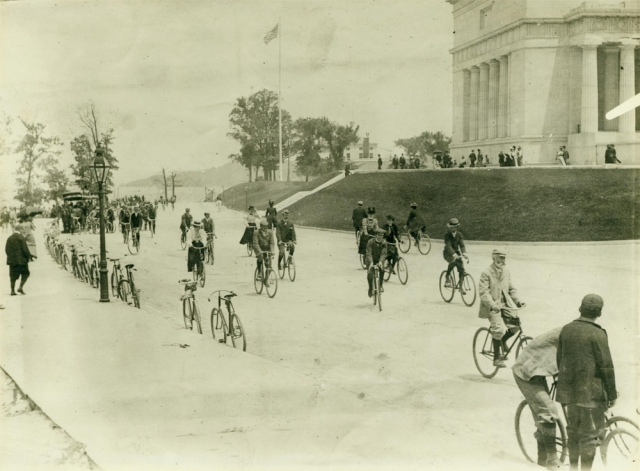 Cycling near Grant's Tomb NYHS photo