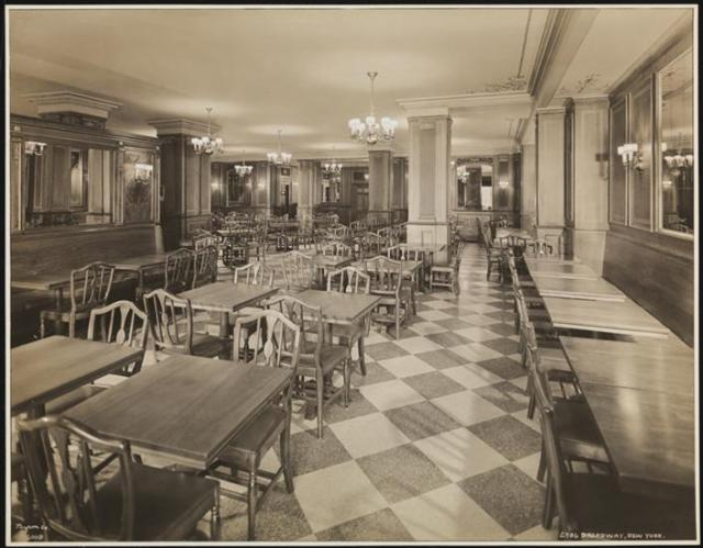 Schrafft's 2786 Broadway, interior, MCNY photo